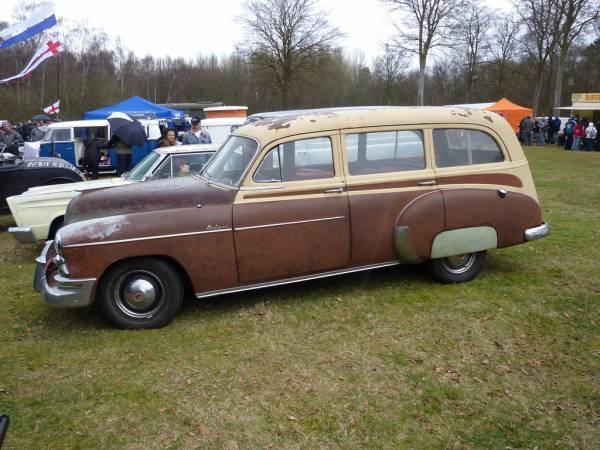 1949_Chevrolet_Station_Wagon_left_side